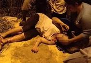 Thấy mẹ bị trăn nửa tạ quấn từ chân lên ngực, con trai 16 tuổi lao vào cứu và cái kết không ngờ