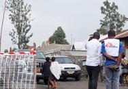 Máy bay rơi xuống khu dân cư, 18 người thiệt mạng