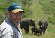 Người đàn ông được đàn voi tới viếng mộ suốt 7 năm