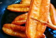 Tuyệt chiêu làm bánh quẩy ngon giòn rụm tại nhà, siêu hấp dẫn ngày lạnh