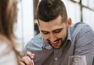 Phát hiện chồng ngoại tình nhờ đọc review quán ăn