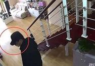 Chồng cứu vợ khỏi kẻ cướp nhờ câu nói qua camera