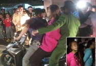 Người dân vây 2 người của đoàn nhạc vì nghi bắt cóc trẻ con