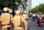 TP.HCM cấm đường để bắn pháo hoa, xe cộ lưu thông thế nào?