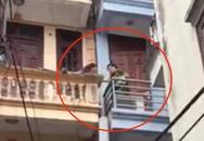 Hà Nội: Người phụ nữ dọa tự thiêu trên tầng 3 do đòi gặp con bất thành