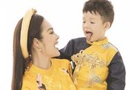 Dương Cẩm Lynh chụp ảnh Tết cùng con trai