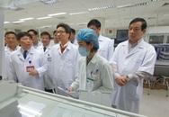 Phó Thủ tướng Vũ Đức Đam kiểm tra khả năng sẵn sàng đối phó bệnh viêm phổi cấp Vũ Hán
