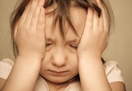 Con hay đau đầu, tê mỏi chân tay, bố mẹ lưu ý dấu hiệu bệnh đột quỵ