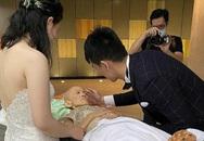Đau xót cảnh mẹ hấp hối mong được nhìn con trai kết hôn