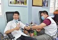 Hàng nghìn cán bộ y tế tham gia hiến máu trong mùa dịch corona