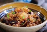 Đổ cả gà lẫn gạo vào nồi cơm điện, sáng ra có món ngon thần thánh, cả nhà tấm tắc