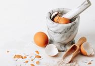 Nghe thì kì quặc nhưng vỏ trứng lại giúp gà mái đẻ nhiều trứng hơn