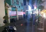 Người đàn ông gục chết trước cổng ngôi trường ở Sài Gòn