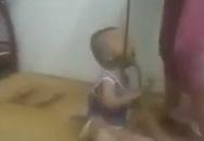 Người mẹ buộc dây thừng vào cổ con rồi đánh đập bị xử lý ra sao?
