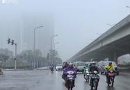 Giữa trưa, bầu trời Hà Nội vẫn trong màn sương mù dày đặc