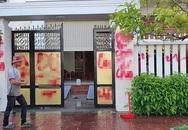 Nhà riêng giám thị trại giam bị tạt sơn, chất bẩn