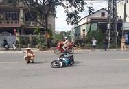 Hai nam thanh niên điều khiển xe máy tông gãy chân CSGT