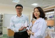 Hải Phòng: Thầy trò trường Đại học Hàng hải điều chế nước rửa tay khô sát khuẩn phát miễn phí trong trường