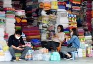 Khuyến cáo hạn chế ra đường được người dân tích cực chấp hành qua góc nhìn từ phố buôn sầm uất Hàng Ngang, Hàng Đào