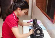 Nữ giáo viên mầm non ở Hà Tĩnh may hàng trăm khẩu trang miễn phí tặng người dân