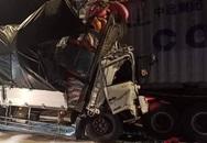 Tai nạn kinh hoàng: Tông vào đuôi container, 3 người chết thảm