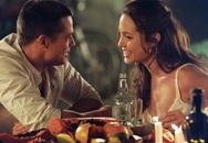 Angelina Jolie cố tình cởi nội y để quyến rũ Brad Pitt khi đóng cảnh giường chiếu