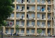 Nhiều lưu học sinh Lào ở Hà Tĩnh rời khỏi ký túc xá đã về nước