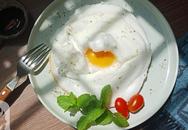 Cả nhà tròn mắt khi thấy món trứng đám mây tôi làm cho bữa sáng, lúc ăn thì khen không ngớt!