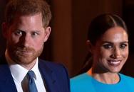 Cuối cùng Hoàng tử Harry đã có hành động để bảo vệ Nữ hoàng và hoàng gia Anh không cho Meghan Markle lấn lướt
