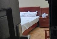 Giám đốc khách sạn bị bắt quả tang ngoại tình, cố hàn gắn gia đình trong dịch COVID-19