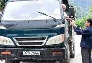 """Nghệ An: Ngang nhiên lập """"BOT"""" thu phí xe tải qua làng"""