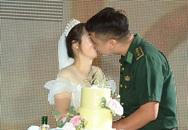 """Đến tham gia chương trình """"Chúng tôi là chiến sĩ"""", chú bộ đội bất ngờ phát hiện bản thân thành chú rể trong đám cưới bí mật"""