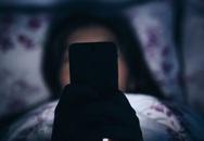 Bị đột quỵ mắt do xem 'Diên Hi công lược' liên tục 7 ngày, chuyên gia chỉ rõ những nguy hiểm khi dùng điện thoại vào ban đêm