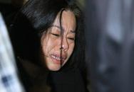 Mẹ MC Diệu Linh khóc ngất trong đám tang con gái