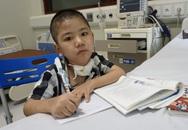 Sức khỏe bé trai 8 tuổi nhiều tháng trời sống nhờ máy thở hiện giờ ra sao?