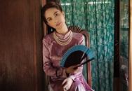 Ngọc Trinh đóng MV của Chi Pu