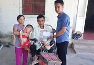 Báo Gia đình và Xã hội trao tiền bạn đọc ủng hộ đến 2 hoàn cảnh khó khăn ở Hà Tĩnh