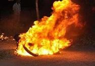 Vụ con trai tưới xăng đốt cha khiến 4 người bị bỏng nặng: Người cha đã tử vong