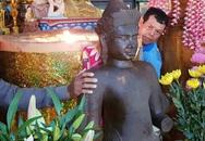 Hàng trăm người đến chùa lạy tượng đá phát hiện dưới ruộng