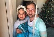 Hài hước bố hóa thân thành 'công chúa Elsa' cùng con trai