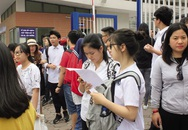 """Tuyển sinh vào lớp 10 tại Hà Nội: Trường càng nổi, """"chọi"""" càng gắt"""