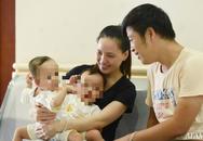 Mẹ 2 bé gái song sinh dính nhau nghẹn ngào mong con bình an trước khi bước vào ca mổ sinh tử