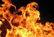 Nam thanh niên bị... bốc cháy tại nhà bạn gái