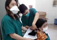Nữ y bác sĩ Đà Nẵng cắt ngắn tóc để lên tuyến đầu chống dịch
