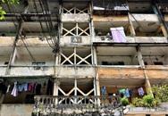 """Cận cảnh căn nhà tập thể nghiêng 14 độ ở Hà Nội, hơn 200 người """"sốngtrong sợ hãi"""""""