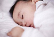 Trẻ sơ sinh có 3 thói quen này khi ngủ chứng tỏ não bộ đang phát triển cực tốt