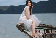 Lý Nhã Kỳ  khoe nhan sắc tươi trẻ khi đi dạo biển Côn Đảo