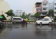 Nhân viên rửa xe lùi ô tô cán chết một thiếu niên, tông trúng xe biển xanh