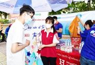 Đồng hành chống dịch cùng cả nước, Lifebuoy hỗ trợ hơn 29.000 sản phẩm đến khu cách li, điểm thi, ga tàu