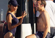 Vợ Tổng thống Pháp diện bikini khoe vóc dáng bên chồng trẻ điển trai